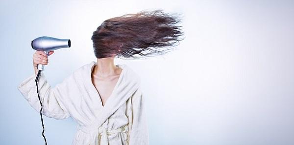 画像:「育毛治療」と「努力の方向」から仕事を考えるイメージ