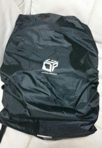画像:ドッペルギャンガーの防水バッグカバーをリュックにかぶせた状態:表