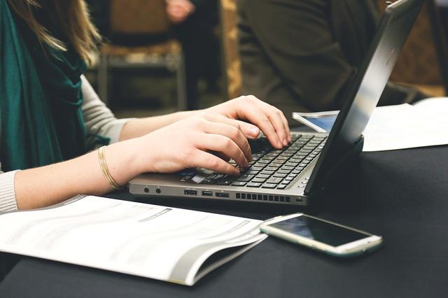 ブログを書いている時の写真