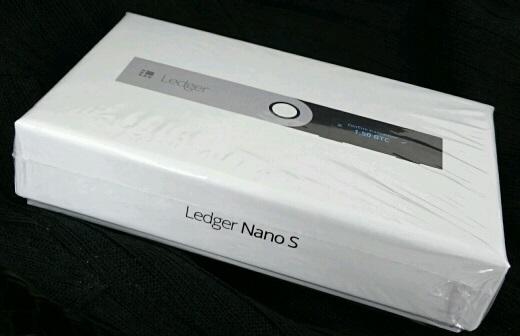 Ledger-Nano-S(レジャーナノS)の写真